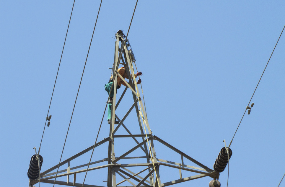 Installation of OPGW cables for GETCO's 220 kV Transmission Line